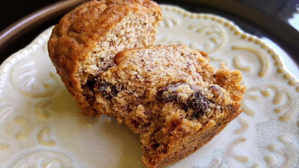 Healthier Banana Nut Muffin momsdinner.net