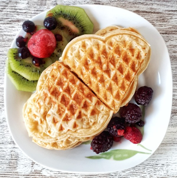 These waffles are so healthy: they are low carb, keto and sugar-free!!