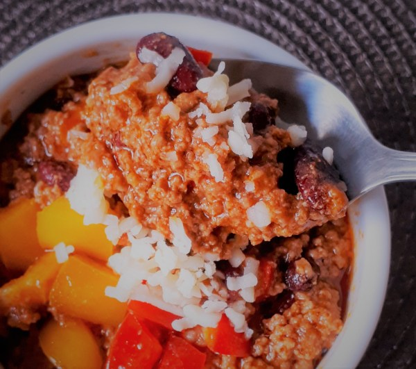 This homemade chili is a simple recipe that is ready in 30 minutes. It's low carb, healthy and perfect for colder days!