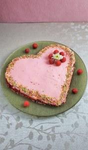 https://momsecrets.co/keto-cake-valentines-day-dessert/