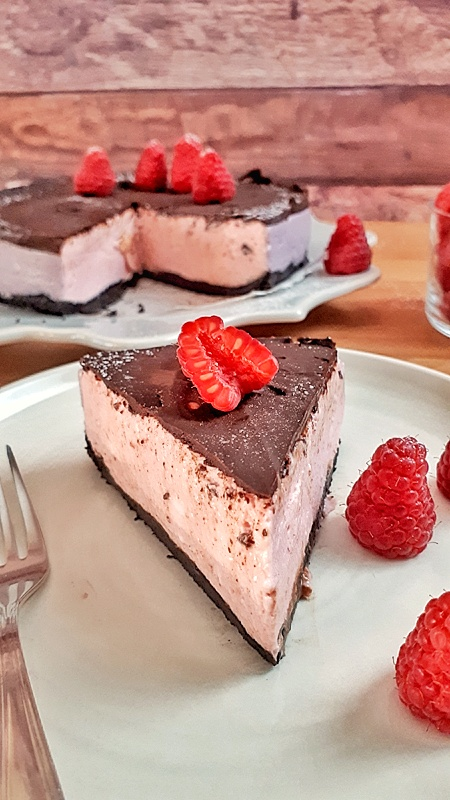 is amazing keto Low Carb Peppermint Cheesecake is so easy to make. It will impress everyone you serve it on your Christmas celebration!