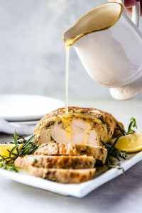 Here you can find a collection of 20 Keto and low carb Christmas recipes for a keto Christmas dinner that will help you out.