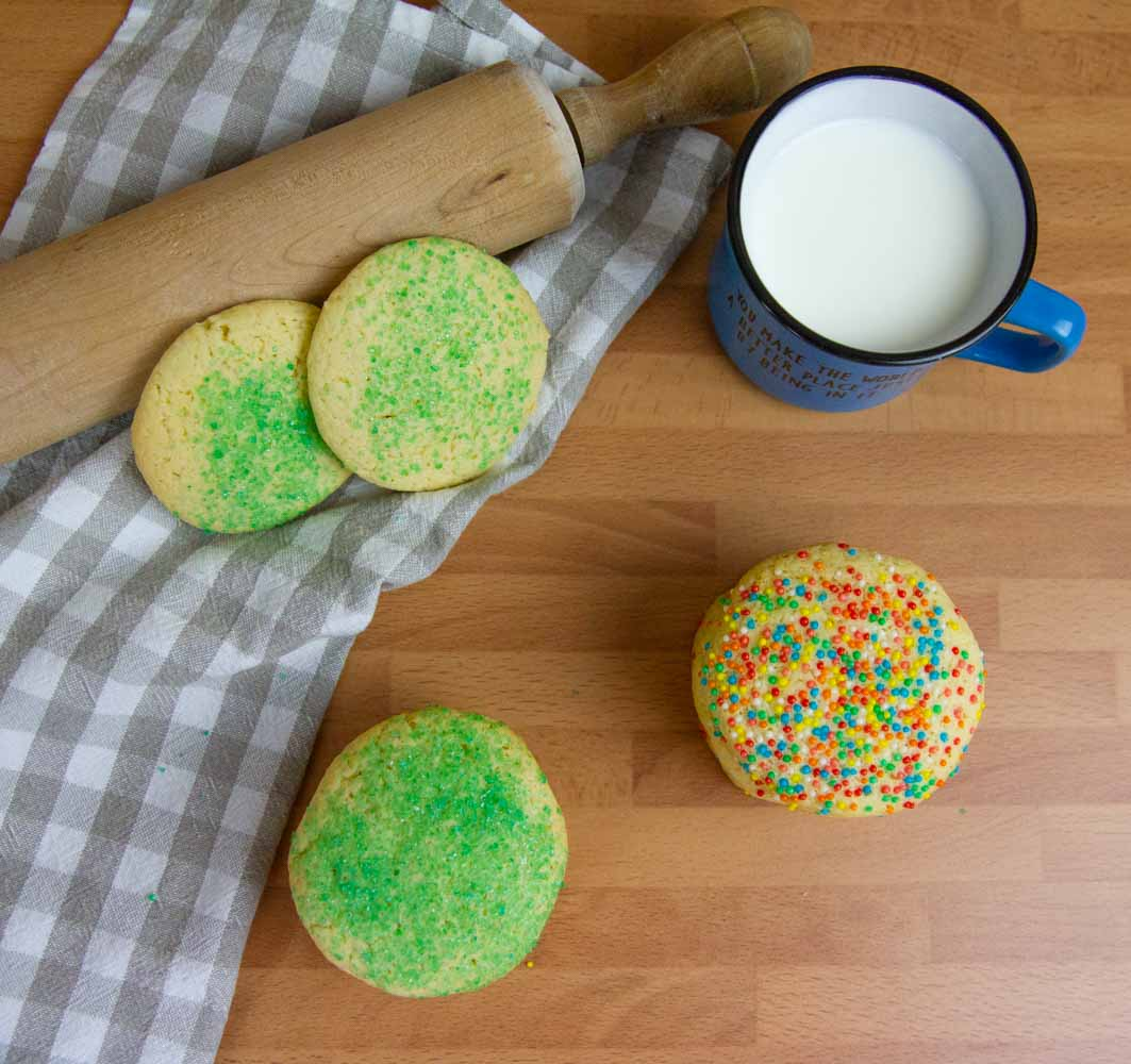 These sugar cookies don't need to be chilled and stay wonderfully soft & chewy for days! Make them for Christmas or anytime you want! #cookies #sugarcookies #holidays #holidaysrecipes #christmas #christmascookies