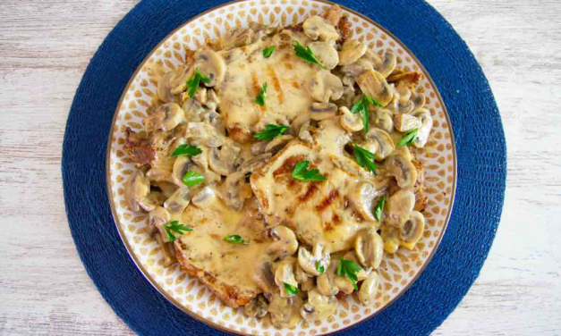Pork Chops in Creamy Mushroom Sauce (Keto Low Carb Recipe)