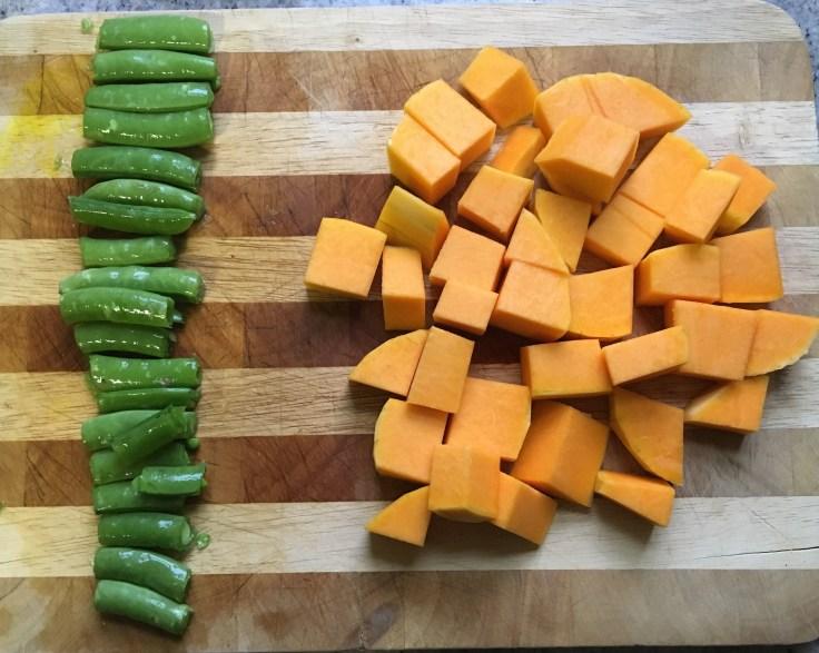Trimmed sugar snap peas & butternut squash cube