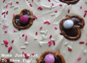 v-day-pretzel-bark-2