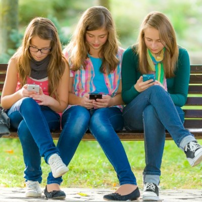 6 Tips To Tame Your Kid's Social Media