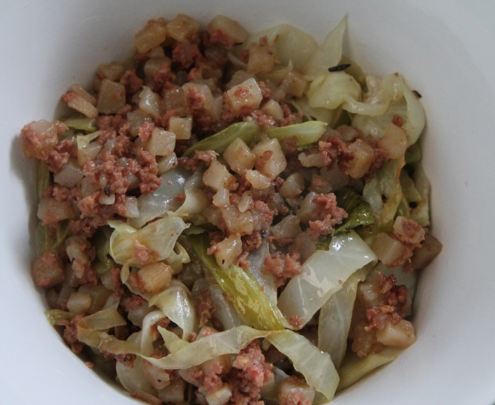 Easy Corned Beef Hash & Cabbage Recipe #IntelAIO - MomStart