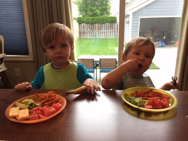 5 easy ways to incorporate food and fun for a kid-friendly cookout!