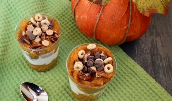 Pumpkin pie parfaits are made with layers of creamy Greek yogurt and spiced canned pumpkin puree. A perfect fall snack or treat, just in time for the holiday season!