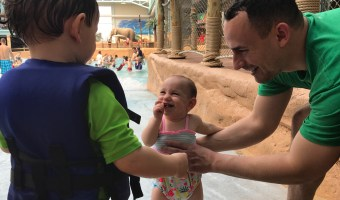 Planning your family's next vacation to an indoor waterpark? Here are some tips that have helped make travel to a waterpark with toddlers that much easier, and enjoyable!