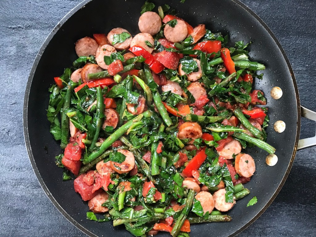 A quick skillet dinner with broccoli leaves mom to mom nutrition trying broccoli leaves for the first time heres a quick skillet dinner where broccoli leaves forumfinder Choice Image