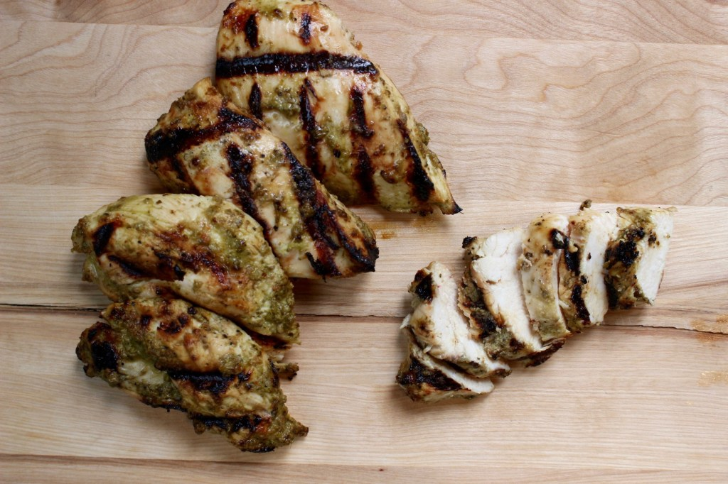 Welcome grilling season with 10 easy grilling recipes that you can have on your table in under 30 minutes. Perfect for those busy weeknights!