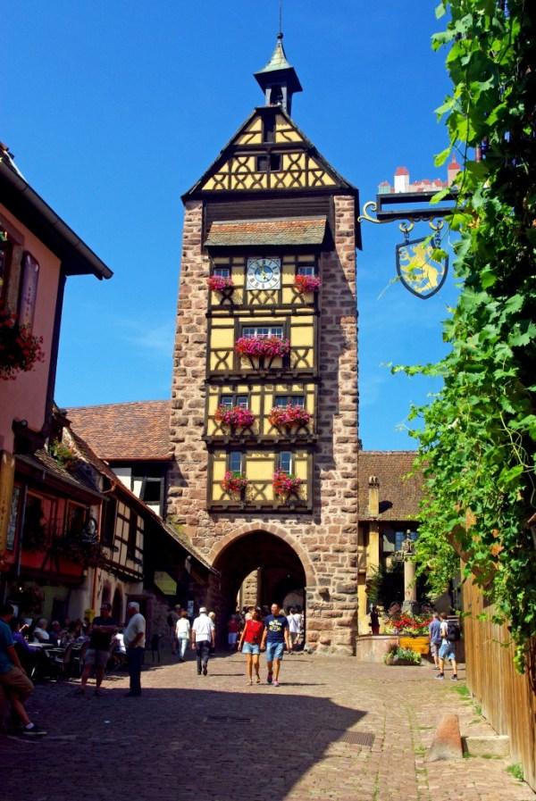 Le Dolder de Riquewihr, une des plus belles portes fortifiées d'Alsace © French Moments