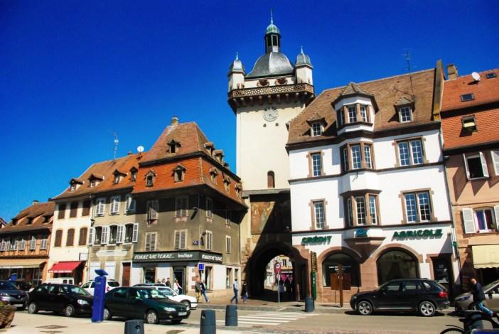La Tour de l'Horloge ou Tour Neuve, porte d'entrée pour découvrir Sélestat © French Moments