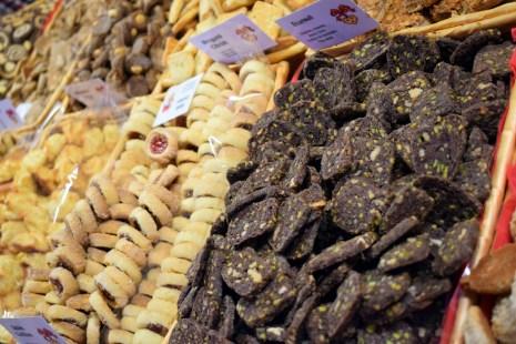 Bredeles au marché de Noël de Strasbourg © French Moments