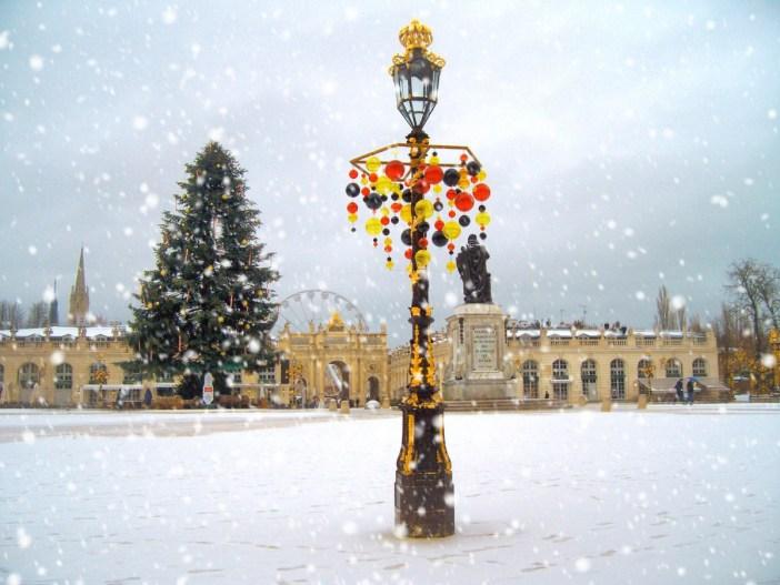 La place Stanislas sous la neige en décembre © French Moments