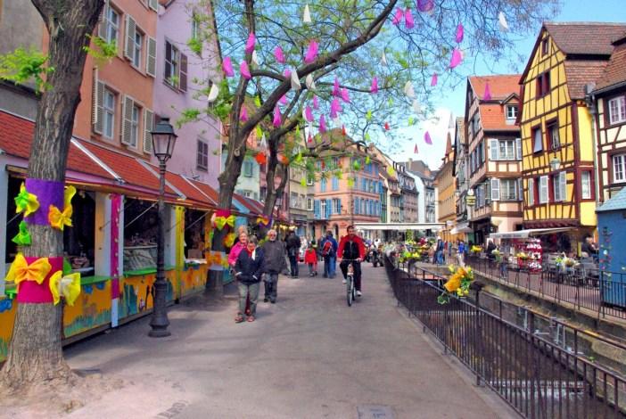 Le marché de Pâques de Colmar (Place de l'Ancienne Douane) © French Moments