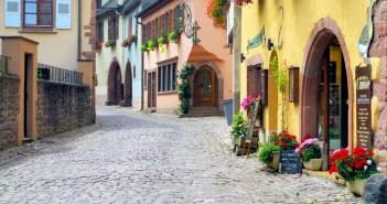 Gueberschwihr, Alsace © French Moments