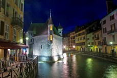 Annecy by night © French Moments