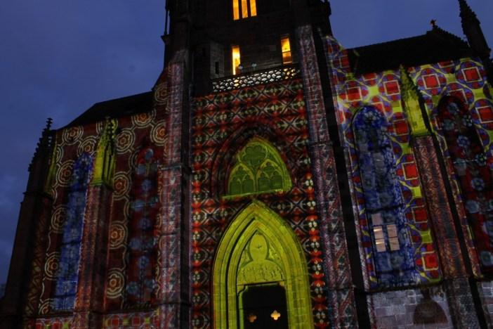 Le mapping sur l'église Saint-Georges de Sélestat ©SHKT
