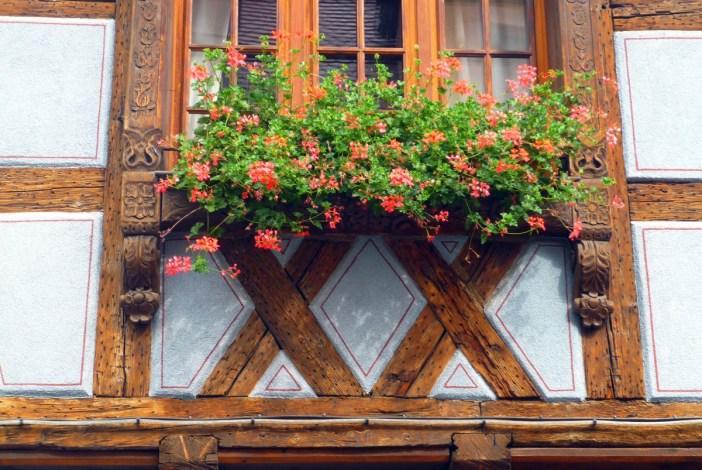 Détails de l'allège d'une fenêtre, Kaysersberg © French Moments