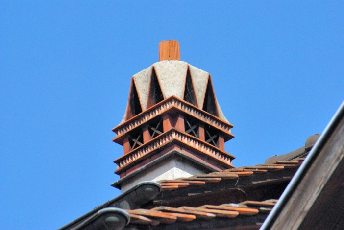 Mitre de cheminée à Kaysersberg © French Moments
