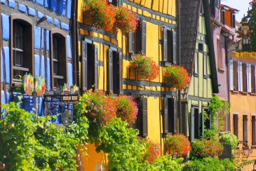 Façades de maisons alsaciennes à colombages, Riquewihr © French Moments