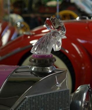 Bouchon de radiateur Mercedes-Benz © Burkhard Hinnersmann - licence [CC BY-SA 3.0] from Wikimedia Commons