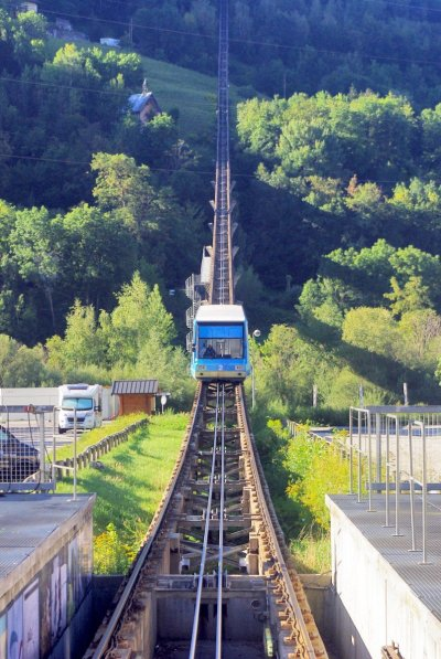 Funiculaire Bourg Saint-Maurice © French Moments