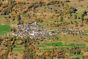 Le village de Granier vu du mont Saint-Jacques © French Moments