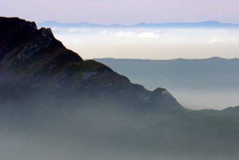La Dent du Chat et le Massif Central à l'arrière plan (le Mont Mézenc) © French Moments