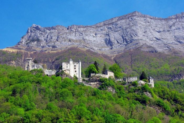 Château de Miolans (Combe de Savoie) © French Moments