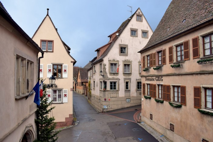 Autour de Strasbourg : le village de Mittelbergheim © French Moments