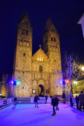 Le palais des glaces devant l'église Sainte-Foy de Sélestat © French Moments