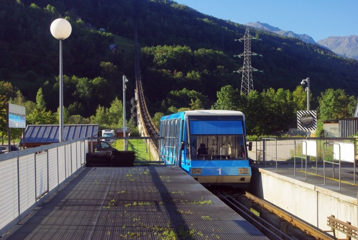 Le funiculaire au départ de Bourg-Saint-Maurice © French Moments