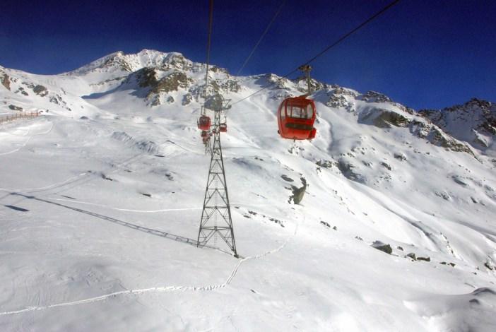 La télécabine de Bellecôte montant au glacier © French Moments