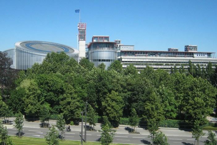 Cour Européenne des Droits de l'Homme © Sfisek - licence [CC BY-SA 3.0] from Wikimedia Commons