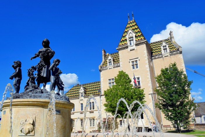 Hôtel de Ville de Meursault © French Moments