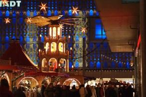 Pyramide de Noël au marché de Noël de Magdebourg - licence [CC BY-SA 2.0] from Wikimedia Commons