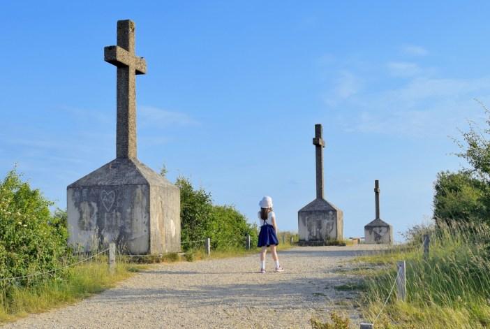 Les trois croix du mont de Sène © French Moments