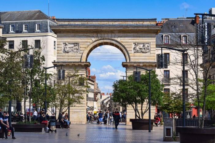 La Porte Guillaume à Dijon © French Moments