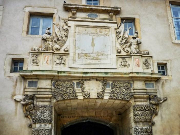 Porte de la Citadelle © French Moments