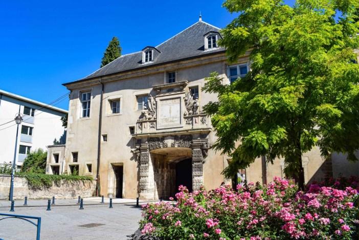 La porte de la Citadelle © French Moments