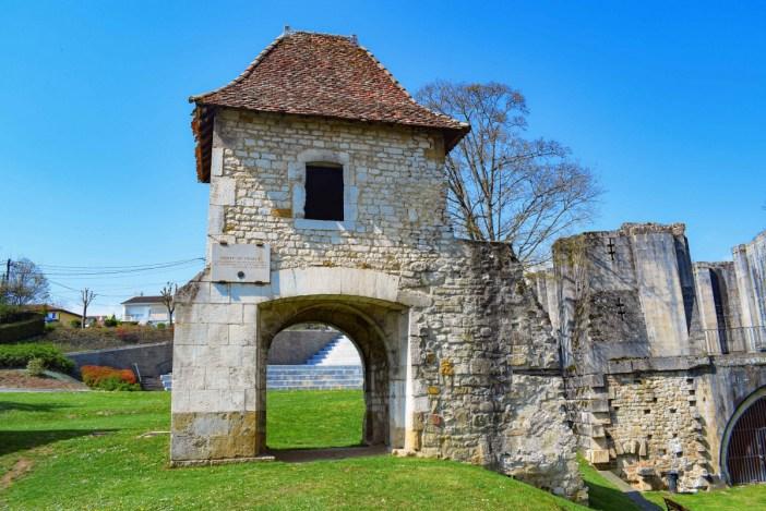 La porte de France à Vaucouleurs © French Moments