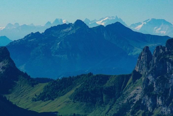 La Meije et les trois Aiguilles d'Arves (vue du Parmelan) © French Moments