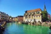 La Venise des Alpes depuis le pont de la Halle © French Moments