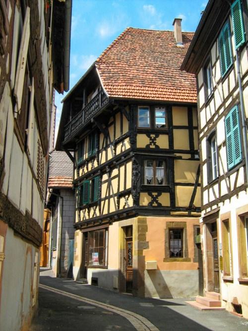 Autour de Strasbourg - Bouxwiller par Buchsweiler [Public Domain]