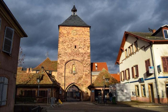 Autour de Strasbourg - La porte des Forgerons à Molsheim © French Moments