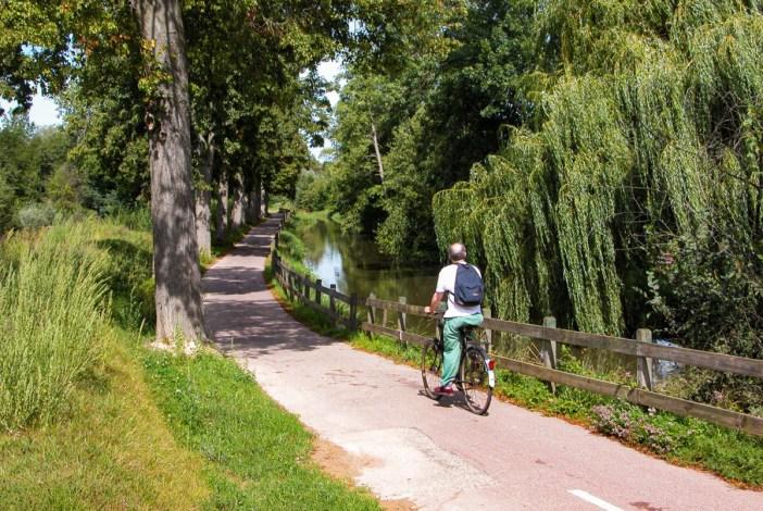 Les plus belles pistes cyclables d'Alsace - Canal de la Bruche [OT Region Molsheim-Mutzig, Public Domain]